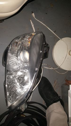 mercedes benz headlight HID 2008, 2009, 2010, 2011 C CLASS for Sale in Marietta, GA
