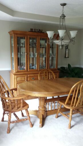 Cochrane Dining Room Table Chairs Lighted Hutch