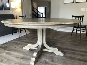 Photo Pottery Barn Linden Pedestal Dining Table
