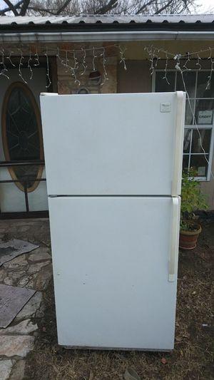 Whirlpool refridgerator/freezer for Sale in Bastrop, TX