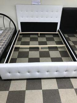 Cama de perlas en leader . Bed, mattress and box Thumbnail