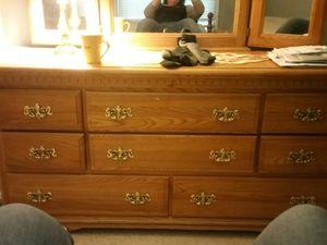 Queen bed room set for Sale in Moseley, VA