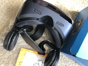 Brand new stereo VR Glasses G300 phone for Sale in San Francisco, CA