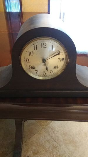 Antique mantle clock for Sale in North Fort Myers, FL