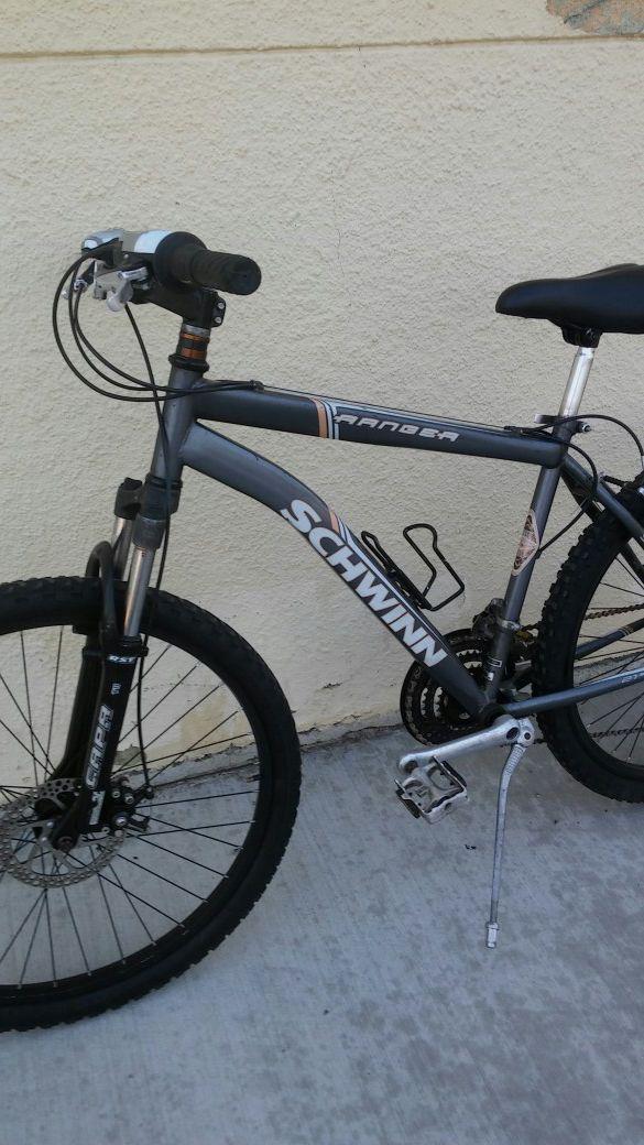 6b3087d4a6e Schwinn Ranger mountain bike 26