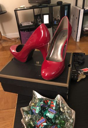 RED PUMPS NEVER WORN SIZE 9 for Sale in Lincolnia, VA