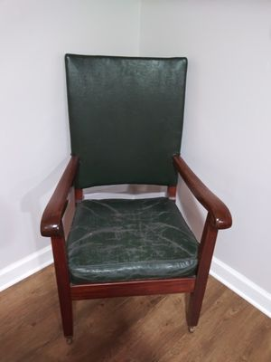Vintage leather chair green for Sale in Germantown, MD