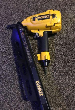 Photo Dewalt framing nail gun
