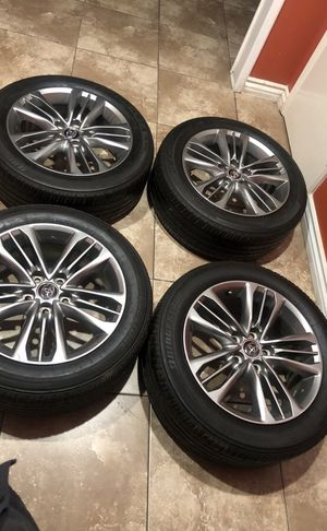 Toyota Camry wheels 17 for Sale in Los Angeles, CA