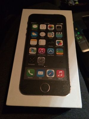 Unlocked iPhone 5S 32gb in box for Sale in Hyattsville, MD