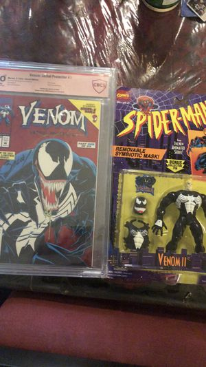 Autographed Venom #1 Lethal Protector DOUBLE SIGNED plus rare 90's action figure for Sale in Orlando, FL