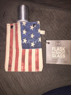 Photo Flask and Shot Glass New