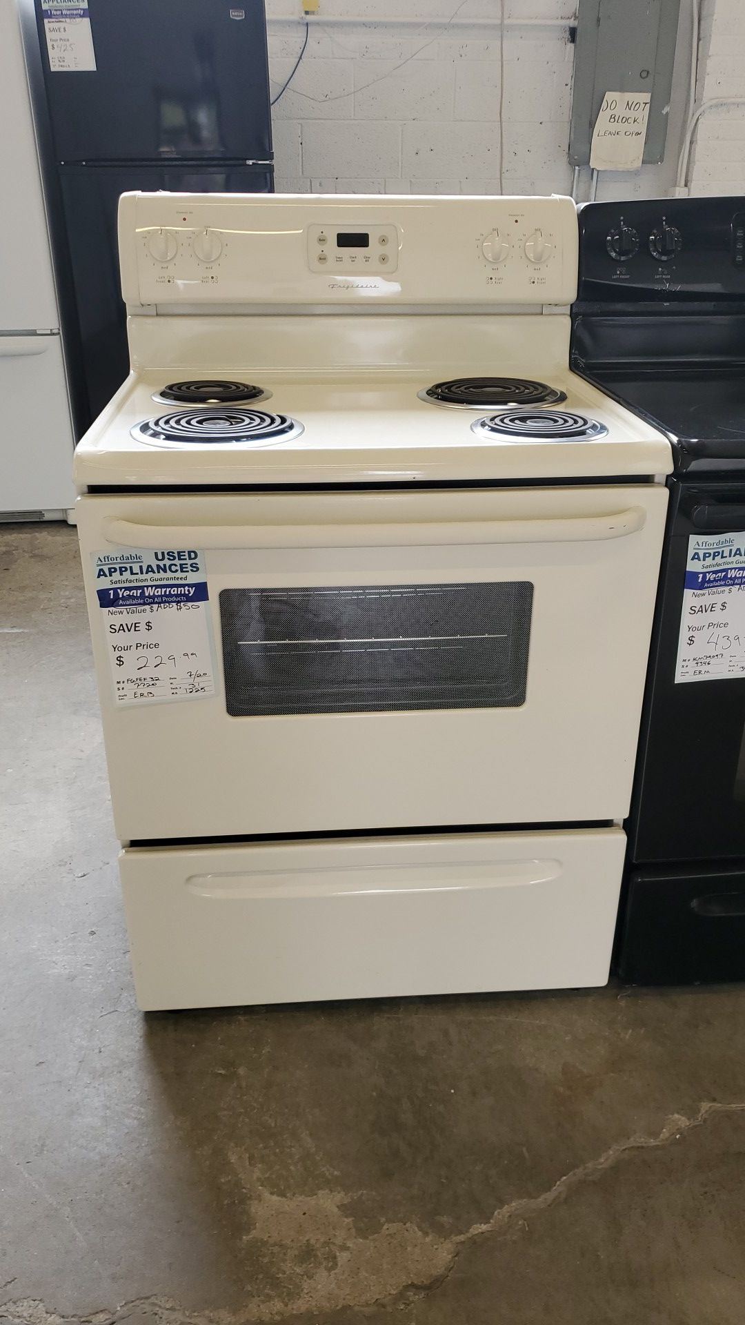 Great White Frigidaire Coil Top Range #62