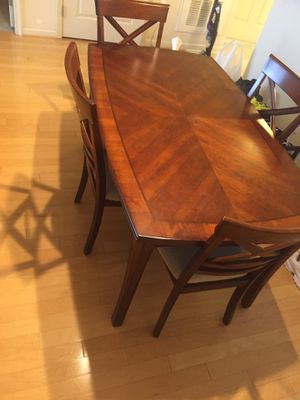 Dining table for Sale in Vienna, VA