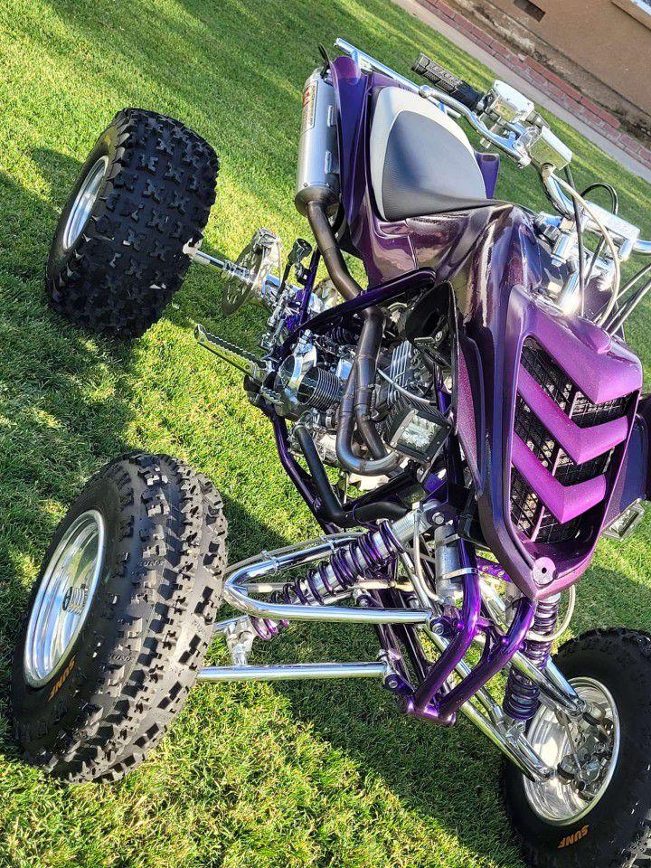 Photo 01 Yamaha Raptor 660