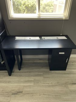 Modular Desk And Rolling Chair Thumbnail