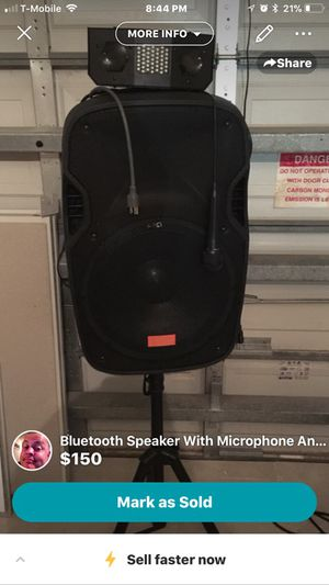 Wireless Bluetooth speaker and stand for Sale in Miami, FL