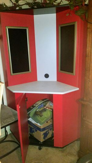 Station Stand Unit.............................................Taking Best Offer for Sale in Cincinnati, OH