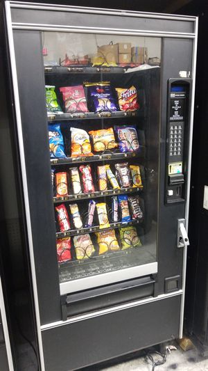 Snack vending machine fully refurbished for Sale in Gaithersburg, MD