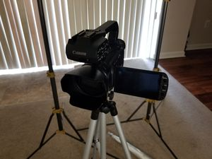 Canon XA10 full HD pro camcorder bundle for Sale in Washington, DC