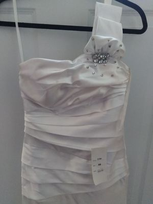 New white dress for a prom or wedding for Sale in Baltimore, MD