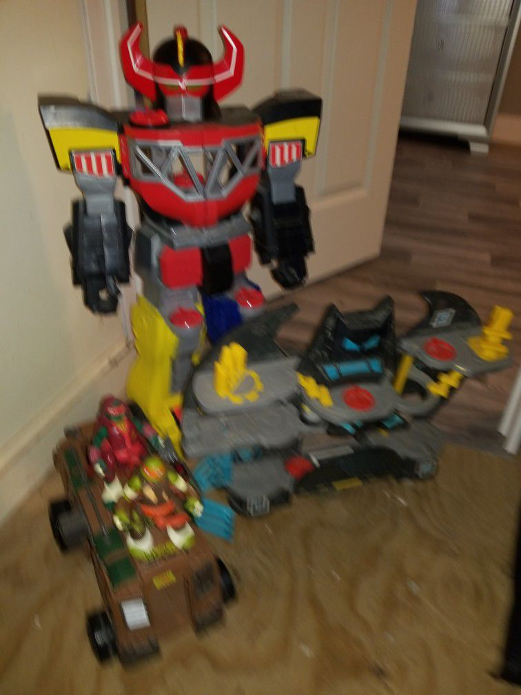 Robot And Batcave 2 Ninjas Y Truck $15 All Of Them