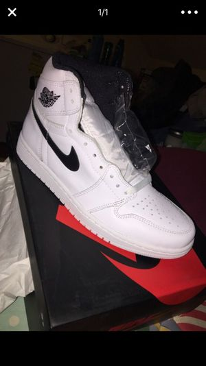 Yin yang 1s white size 10 for Sale in Manassas, VA