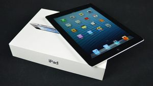 ipad 4 excellent condition + Charger + 30 day warranty for Sale in Silver Spring, MD