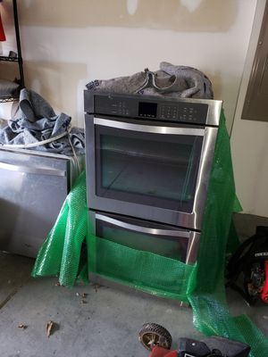 Photo Whirlpool stainless steel double ovens