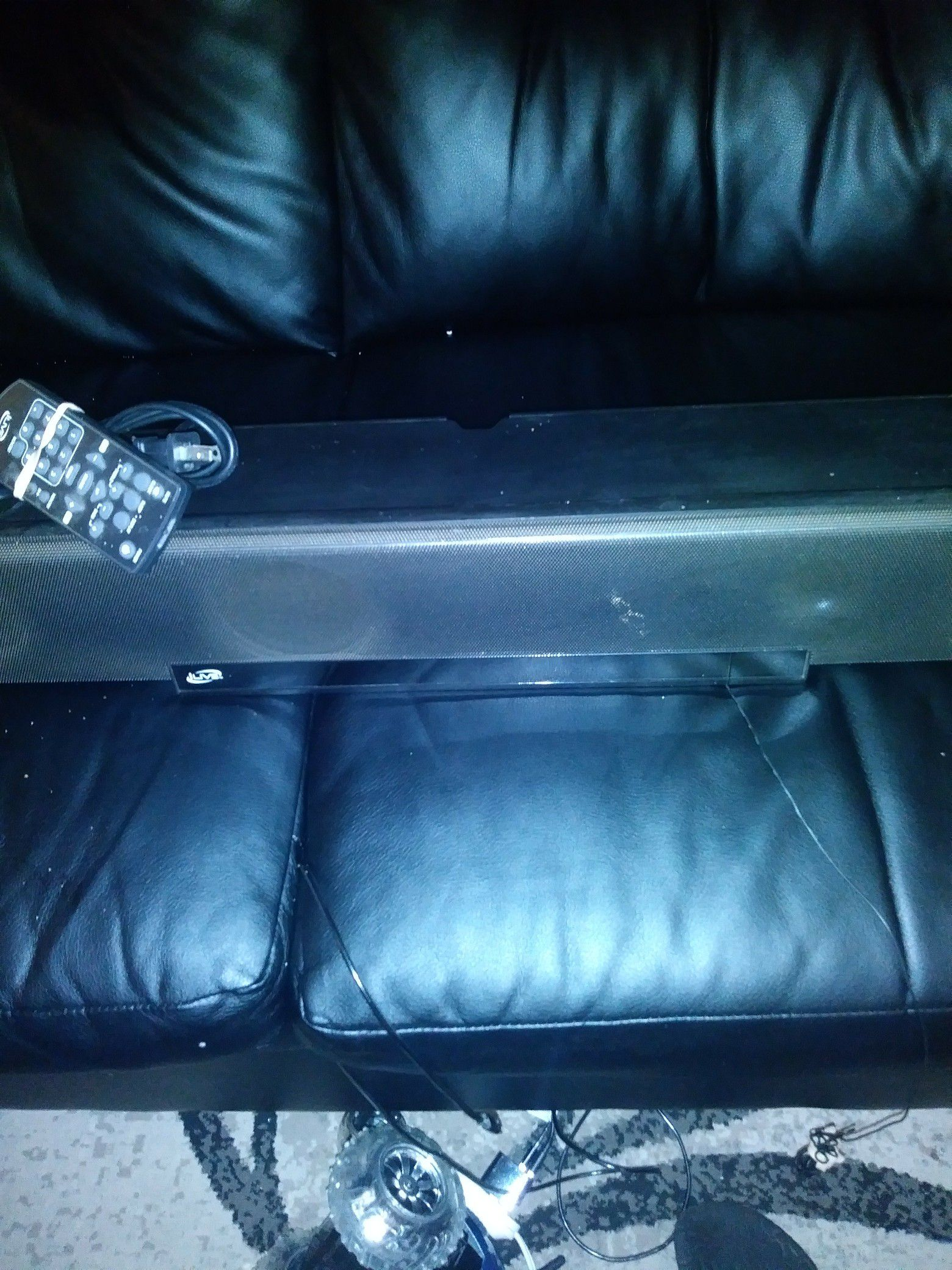 Sound bar with remote and AUX and radio outlet