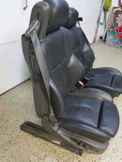 2004 BMW 645ci black leather seats Thumbnail