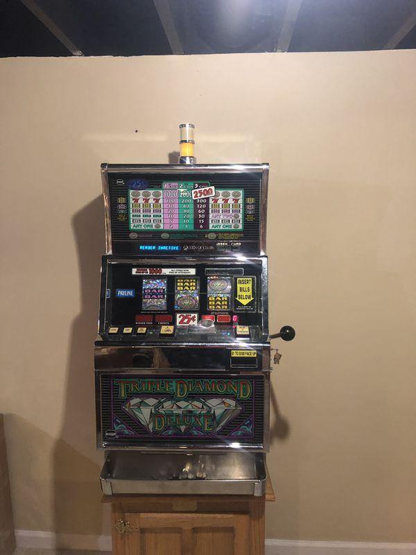 Double Diamond Deluxe Slot Machine App
