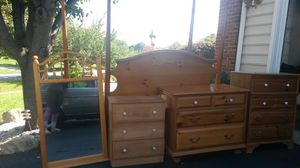 Beautiful solid wood queen bedroom set for Sale in Silver Spring, MD