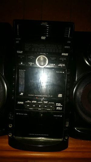 Jvc house shelf Radio 5 CD disc changer and or DVD video has the option for karaoke with a extra bass speaker for Sale in Birch River, WV