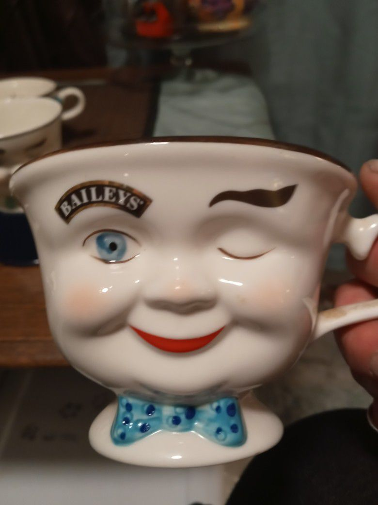 Bailey's Coffee/Tea Cups With Sugar and Creamer dishes