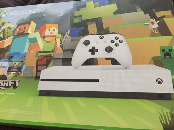 White Xbox one 500GB/go (Minecraft already installed) for Sale in