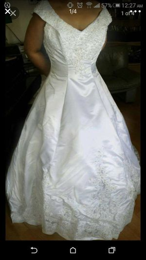 New and Used Wedding dresses for Sale in Las Vegas, NV - OfferUp