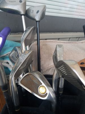 Golf kit - clubs, shoes, balls, tees for Sale in North Bethesda, MD