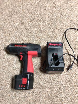 Drill snap-on 3/8 usado buenas condiciones le remplazado la parte de adentro de la batería for Sale in Silver Spring, MD