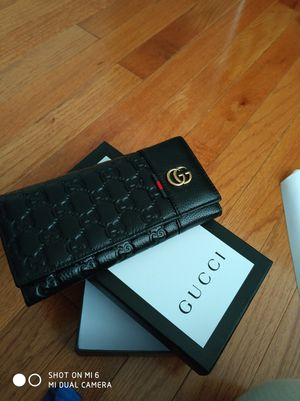 Gucci wallet for Sale in Gaithersburg, MD