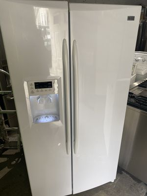 Photo Ge profile refrigerator 36 x 69 x 26 works perfect clean 60 days warranty