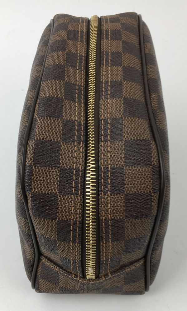 Louis Vuitton Damier Ebene Toiletry Bag Clothing Shoes In Las Vegas Nv Offerup