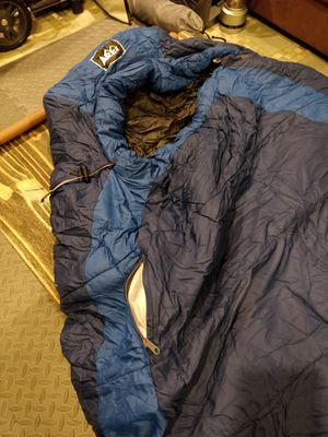 REI Lumen 25 degree sleeping bag for Sale in Leesburg, VA