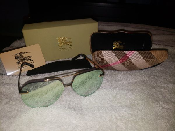 597f1bccb907 Burberry Aviator Pilot sunglasses (Jewelry   Accessories) in San Diego