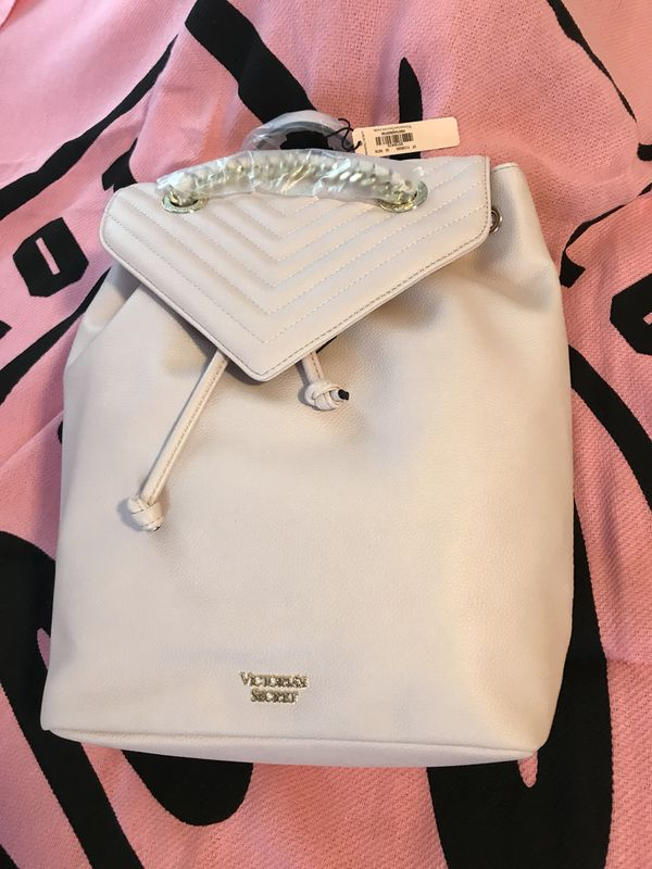 35a79e5b7091e Pebbled V-Quilt Angel Backpack Victoria's Secret for Sale in Tacoma, WA -  OfferUp