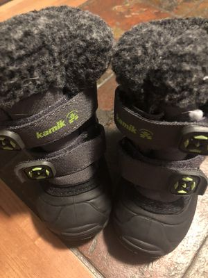Kamik shoes size 5 for Sale in Chicago, IL