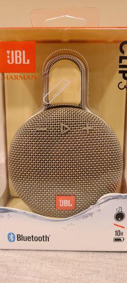 JBL Clip 3 Bluetooth Speaker Thumbnail