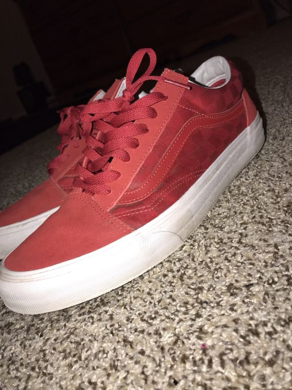 5ea25e9517ea Vans old skool red embossed checkered for Sale in Rio Rancho