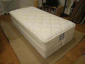 Sealy twin bed set for Sale in Arlington, VA