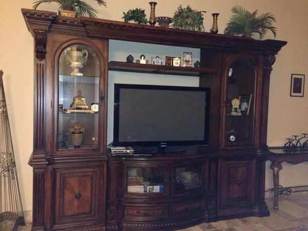 Wall unit from bears furniture Furniture in Pembroke Pines FL